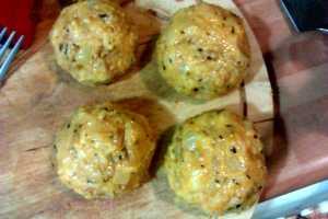 Receta de Bolas de arroz italianas rellenas de carne picada y queso parmesano cocina para niños