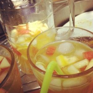 Receta de sangría de vino blanco con fruta