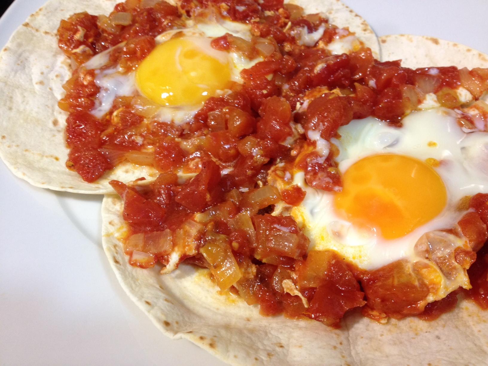 receta de brunch mexicano huevos rancheros gourmet