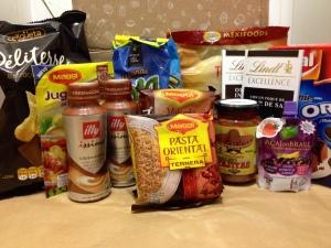 Caja de productos alimenticios nuevos